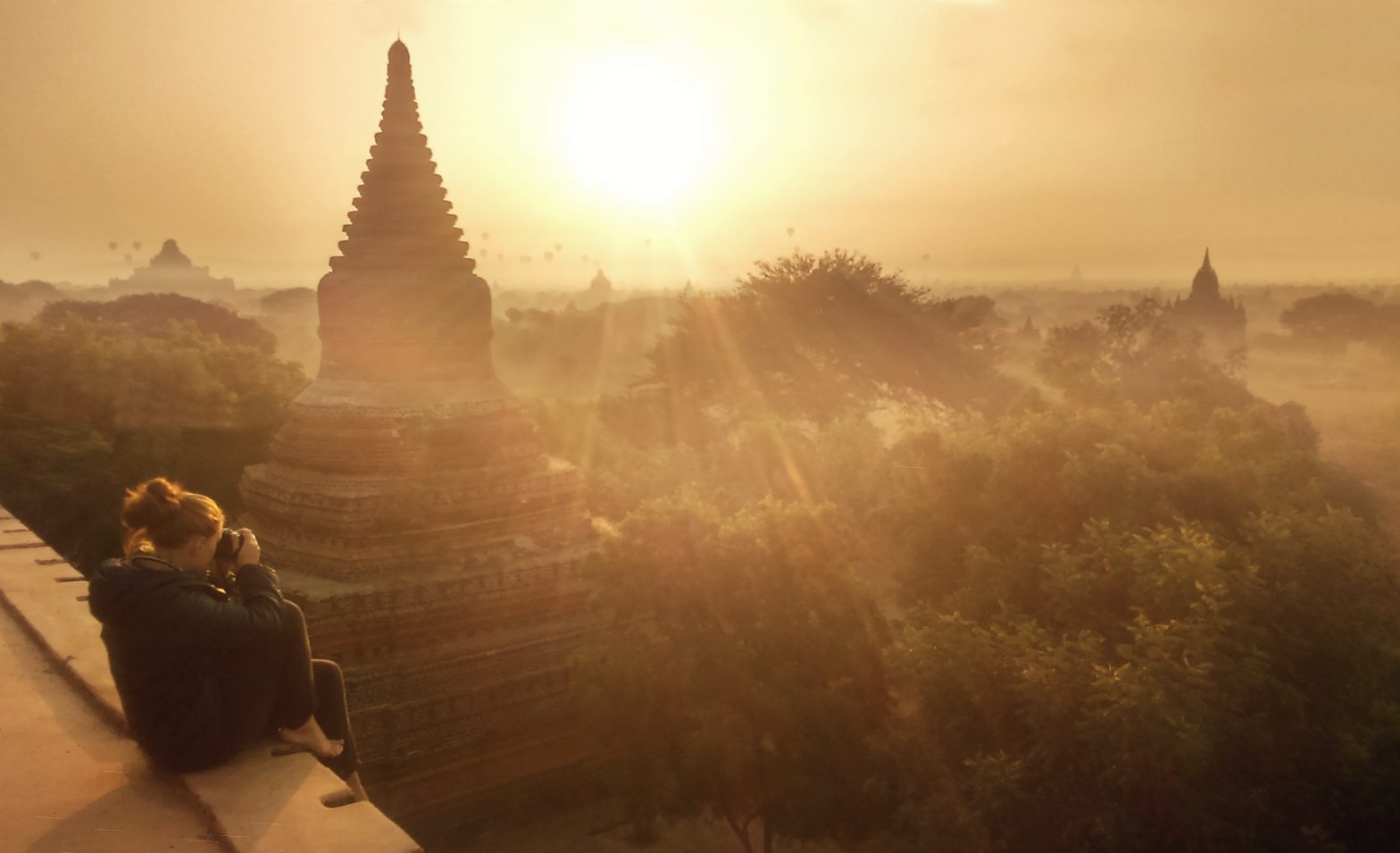 THE SPECTACULAR SUNRISE OF BAGAN